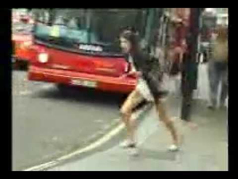 A Londra scendere dal taxi si rivela imbarazzante