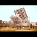 Assurda demolizione di un palazzo non andata bene