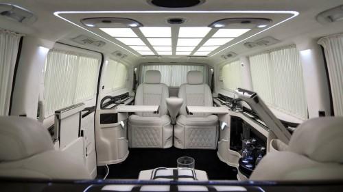 Business Luxury Vans | LIMOUSINE DI LUSSO
