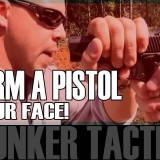Come disarmare qualcuno che ti punta un pistola