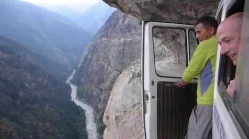 La strada più pericolosa al mondo | Himalaya