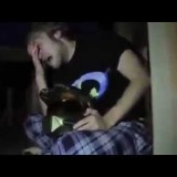 Padre infuriato taglia la playstation con la motosega