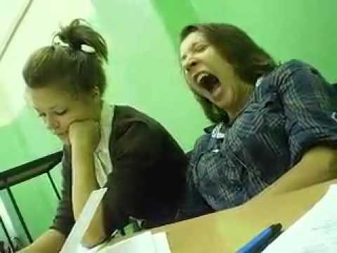Quando il sonno ti frega proprio a scuola