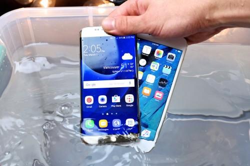 Samsung S7 e iPhone 6s Plus TEST in ACQUA