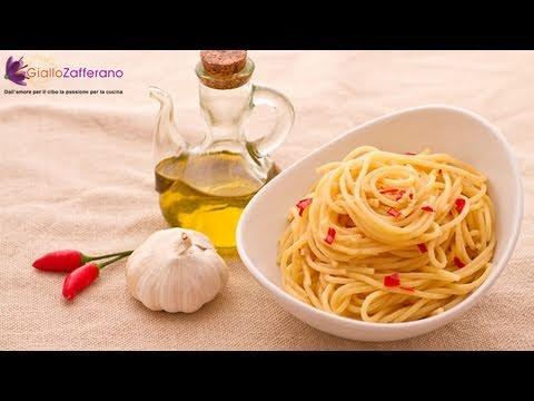 Spaghetti aglio, olio e peperoncino | Un must Italiano